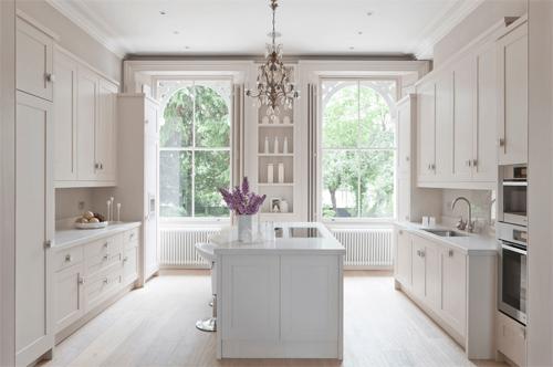 Tại sao không nên sơn toàn bộ bếp màu trắng?