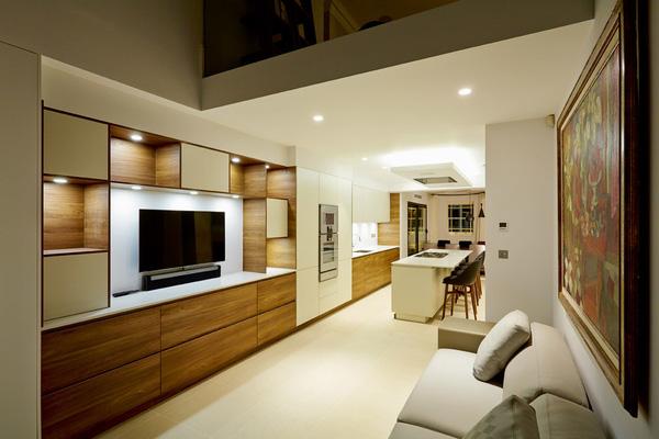 phòng khách dài và hẹp