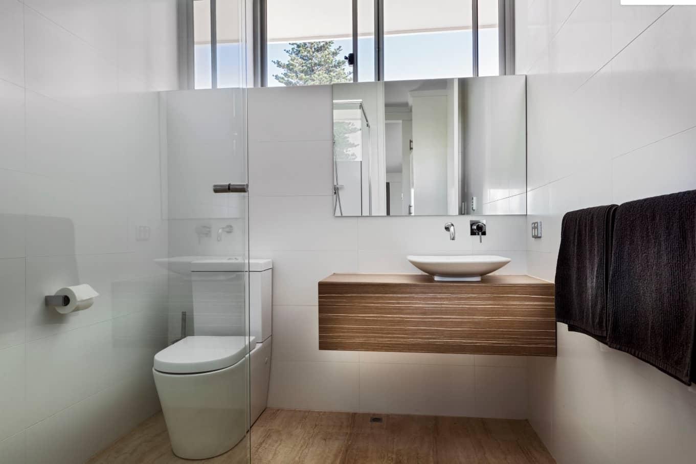 vanity trong phòng tắm